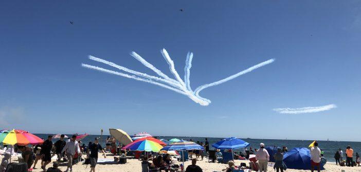 今年长岛琼斯海滩的飞行表演取消了!